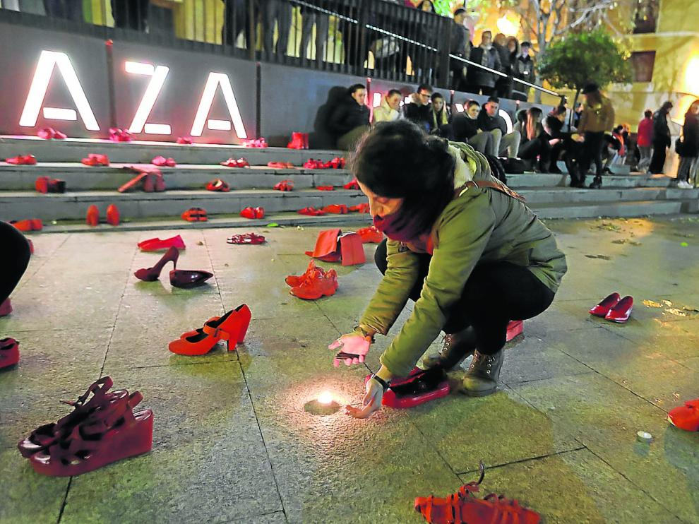 Homenaje en Monzón a la última víctima de la violencia de género en la localidad