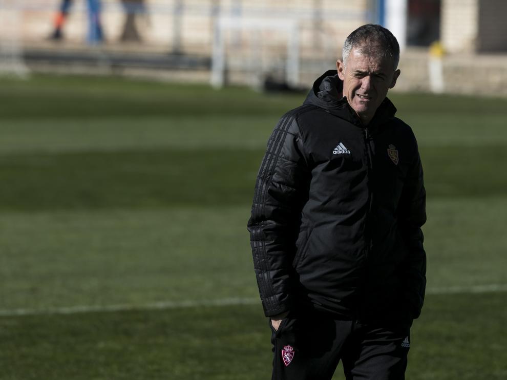 Lucas Alcaraz, pensativo en la Ciudad Deportiva.