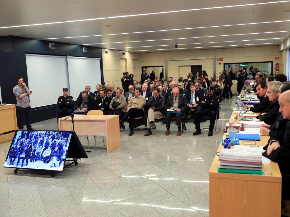 El expresidente de Bankia Rodrigo Rato junto al resto de acusados.