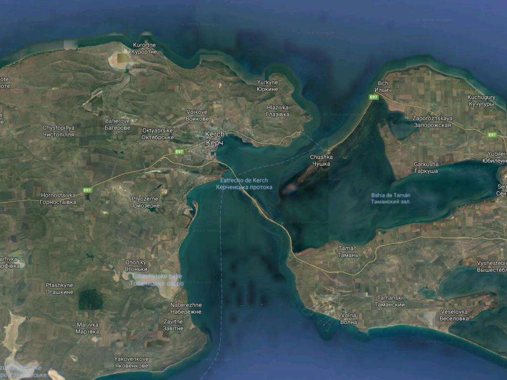 La tensión en el Azov se disparó desde que Moscú construyó en mayo el puente de Crimea que une la península con Rusia, en el estrecho de Kerch.