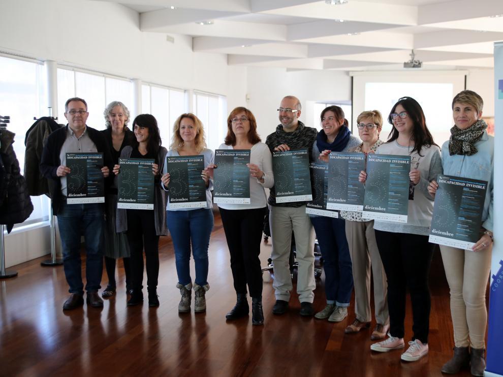 Algunos de los representantes de las 27 entidades agrupados en la coordinadora