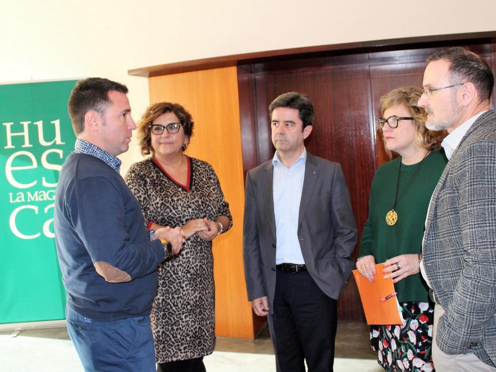 Representantes de las entidades implicadas en el Congreso Hecho en los Pirineos de 2019 se han reunido en la Diputación de Huesca.