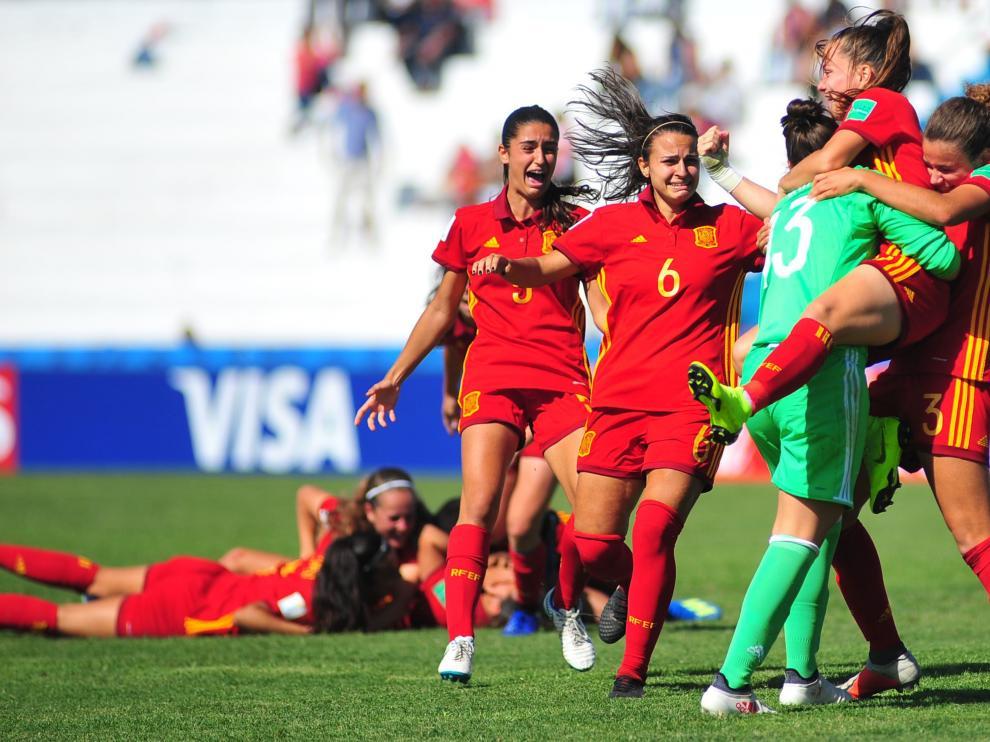 Las españolas celebran el pase a semifinales tras vencer a Corea del Norte en los penaltis.