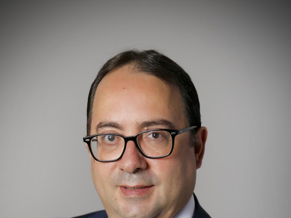 José Enrique Villén Villén, abogado de las Áreas de Sector Público y Contratación Pública en Elece Legal.