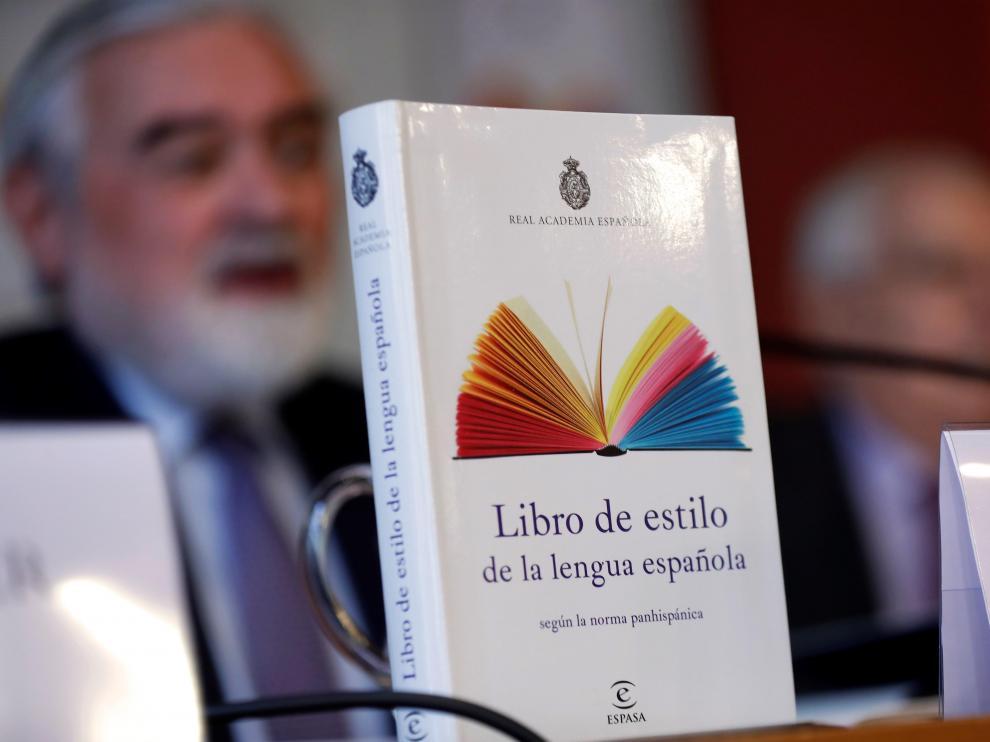 El diccionario sale a la venta a un precio de 24,90 euros