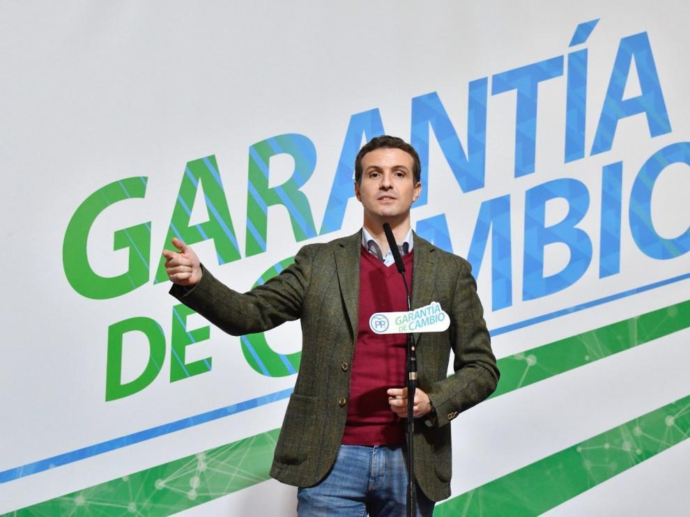 Pablo Casado en un encuentro con simpatizantes en la localidad almeriense de Roquetas de Mar,