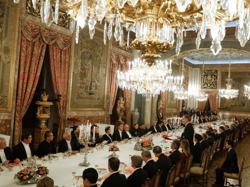 Cena de gala ofrecida por los Reyes de España.