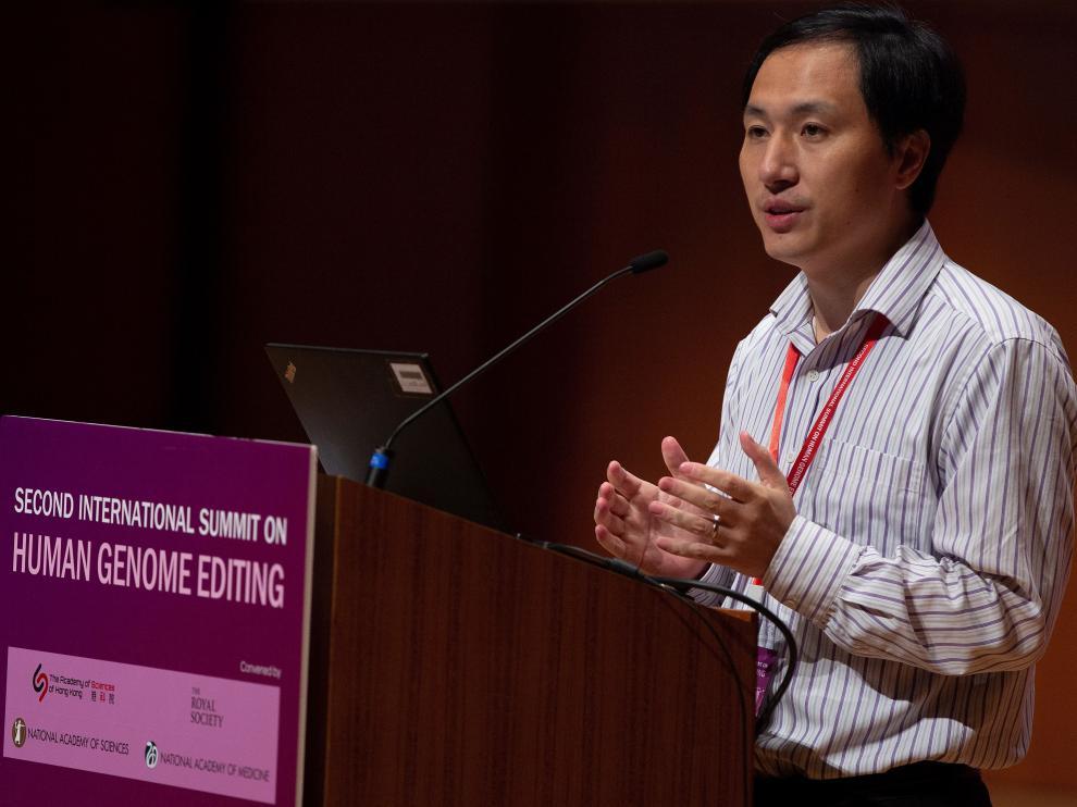 He Jiankui durante su simposio sobre la Edición del Genoma Humano en la Universidad de Hong Kong.