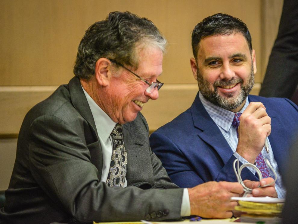 El hispano-estadounidense Pablo Ibar junto a uno de sus abogados.