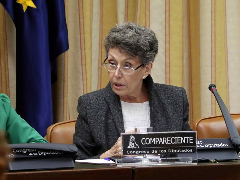 Rosa María Mateo durante su comparecencia en la Comisión Mixta de Control Parlamentario.