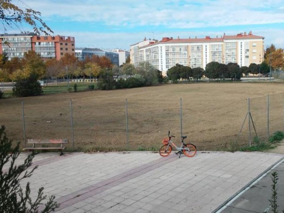 Uno de los solares de Parque Goya que se acaba de limpiar