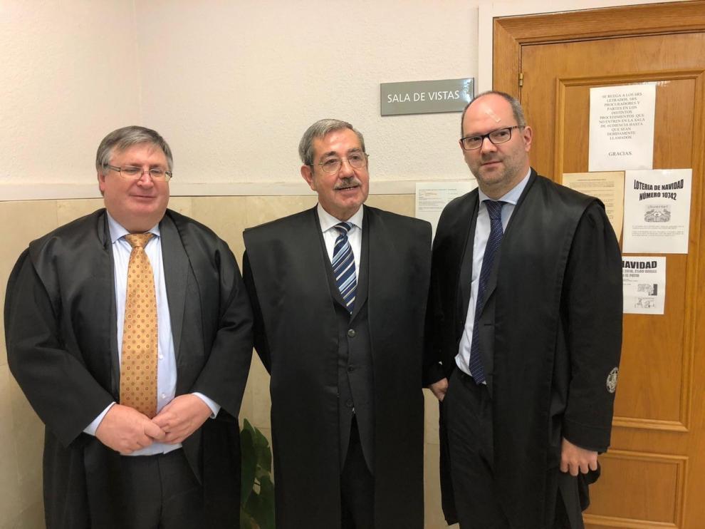 Los tres letrados aragoneses Jorge Español, Joaquín Guerrero y Alberto Gimeno.