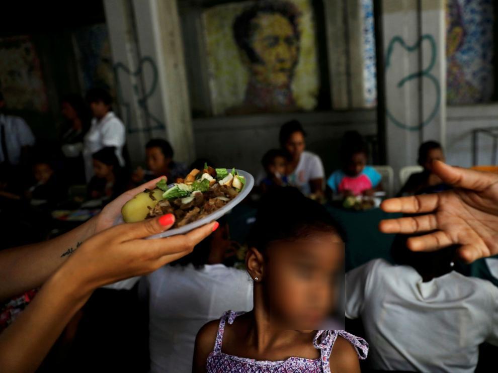 Imagen de archivo de una menor en Venezuela en un hogar de voluntarios