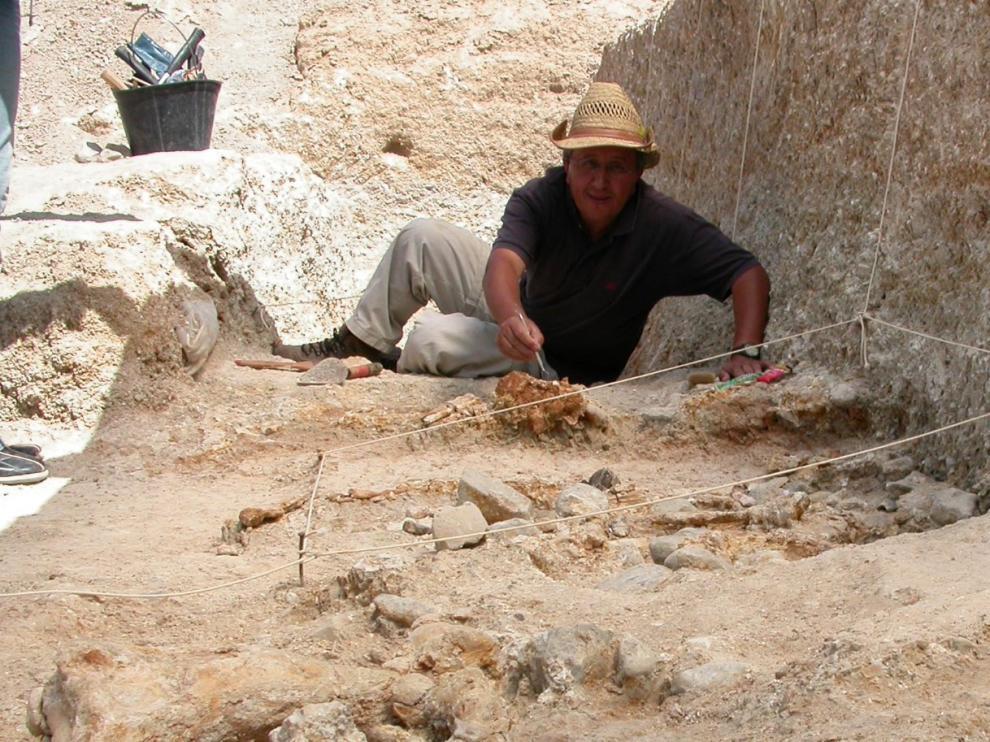 El antropólogo Mohamed Sahnouni, en la excavación.
