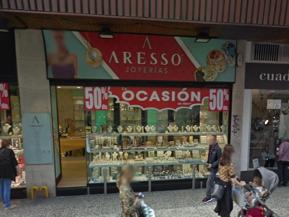 La Policía localiza y detiene al autor del atraco en la joyería Aresso, en el Coso