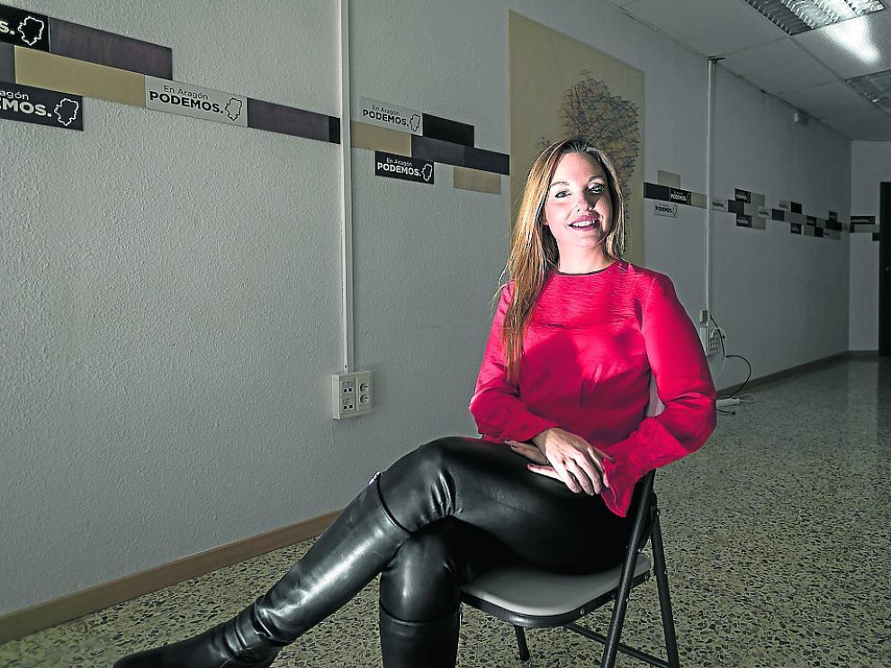 La candidata de Podemos a la Presidencia de Aragón, Maru Díaz, en la sede del partido.