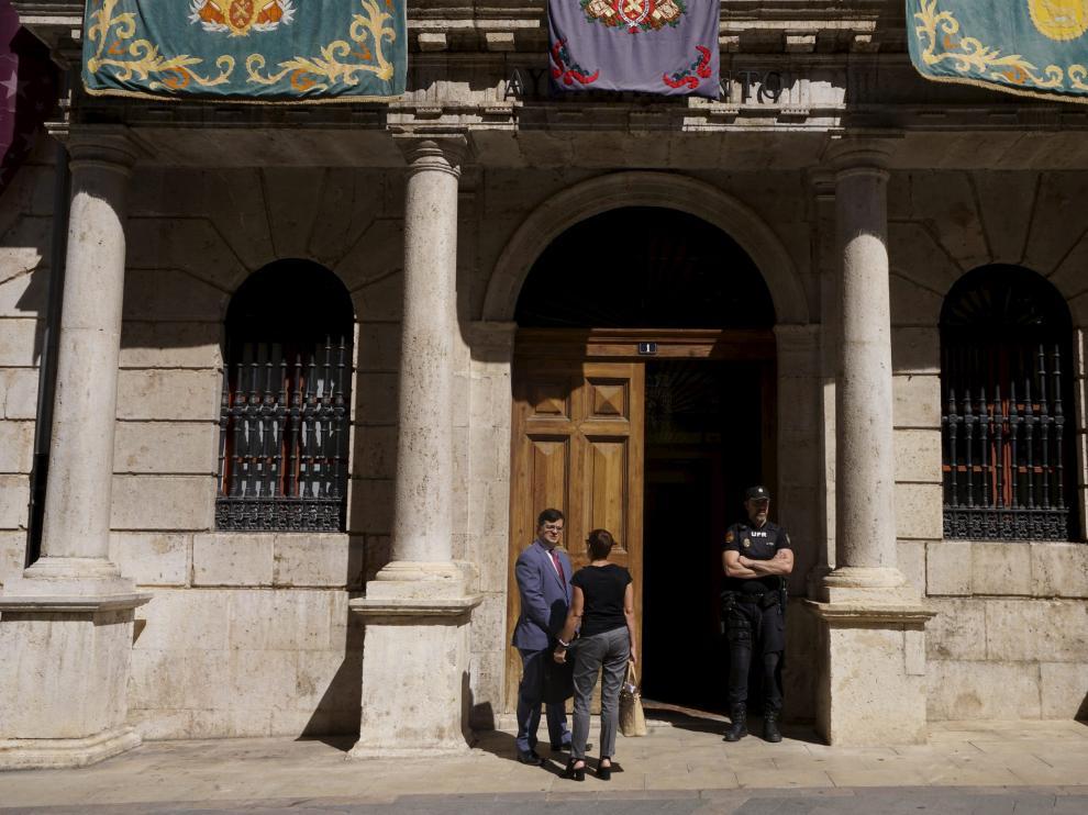Fachada principal del Ayuntamiento de Teruel.