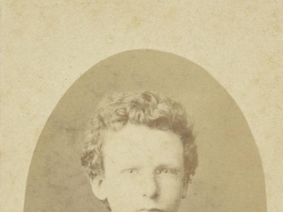 Imagen que se atribuía a Vincent Van Gogh a los 13 años y se acaba de descubrir que es su hermano Theo con 15 años.