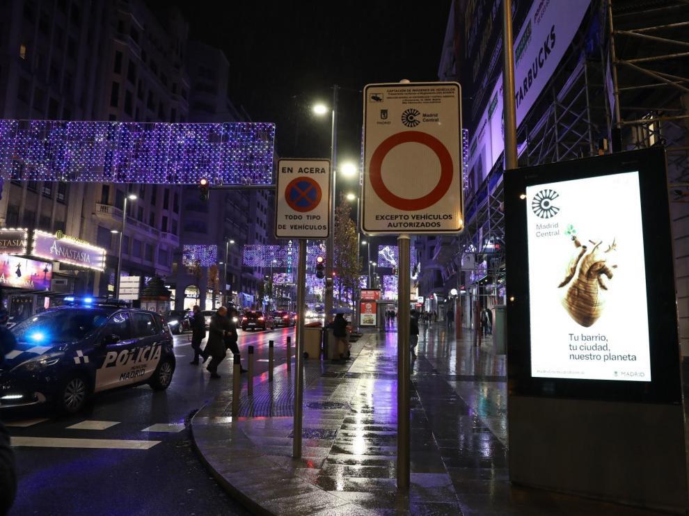 Cartel que informa de Madrid Central.