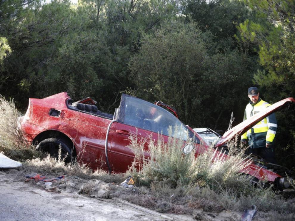 Imagen del penúltimo accidente en la A-124, hace una semana, en la que falleció un joven de Luna.