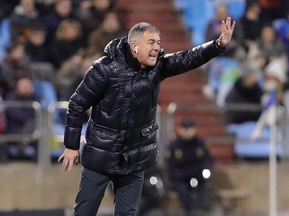 Lucas Alcaraz, el viernes durante el Real Zaragoza-Cádiz en La Romareda.