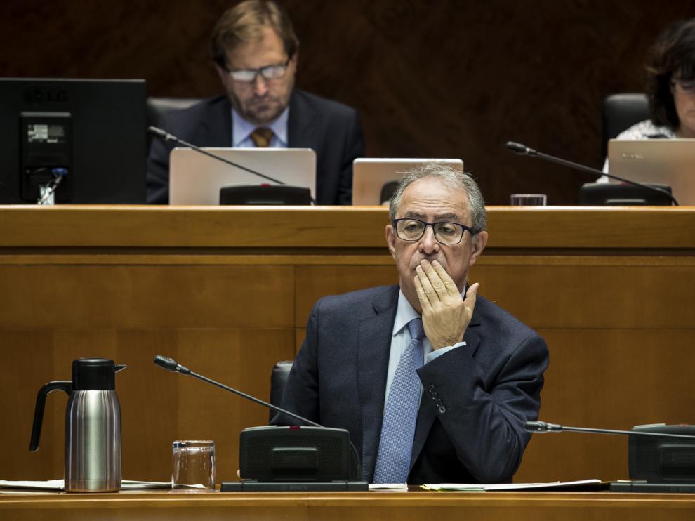 El consejero de Hacienda, Fernando Gimeno, en una reciente comparecencia en las Cortes.