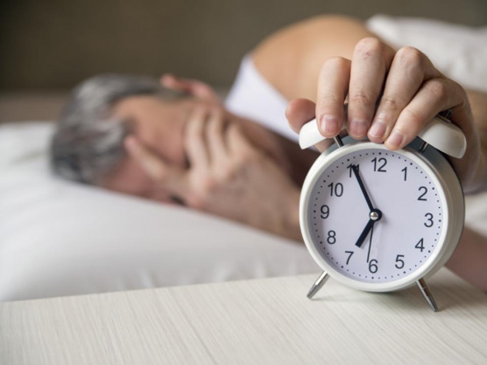 Las preferencias de las personas por levantarse temprano y acostarse tarde cambian en diferentes puntos del ciclo de la vida.