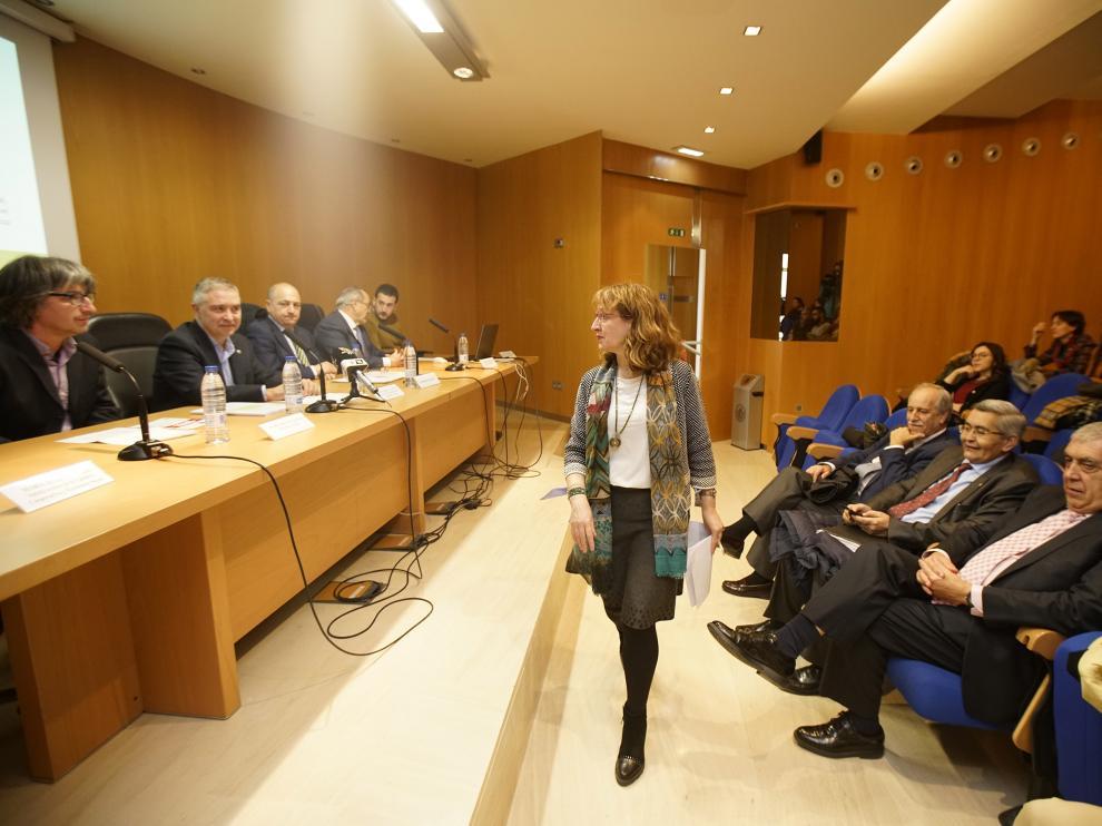 Isabel Saz, una de las autoras del estudio, ayer durante el acto de presentación.