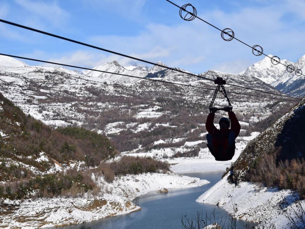 La Tirolina Valle de Tena, en Hoz de Jaca, la más larga de Europa