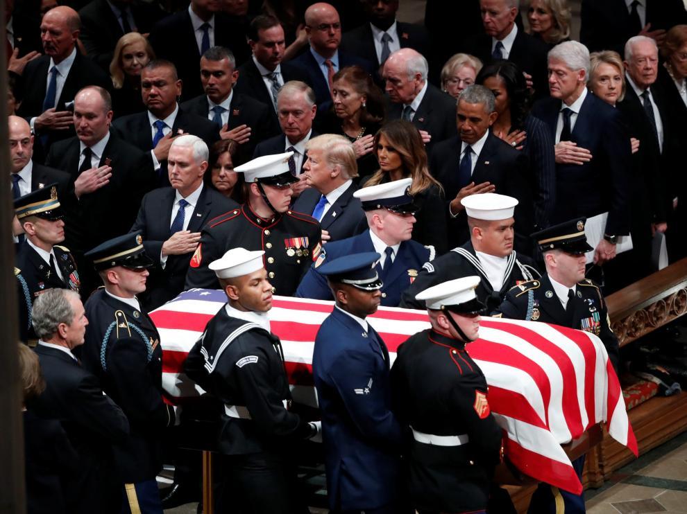 Funeral de Estado de George H. W. Bush, que se celebra en la Catedral Nacional de Washington.