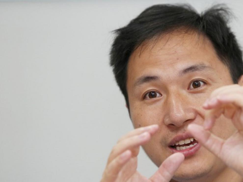 El científico chino He Jiankui anunció el nacimiento de dos bebés modificadas genéticamente.