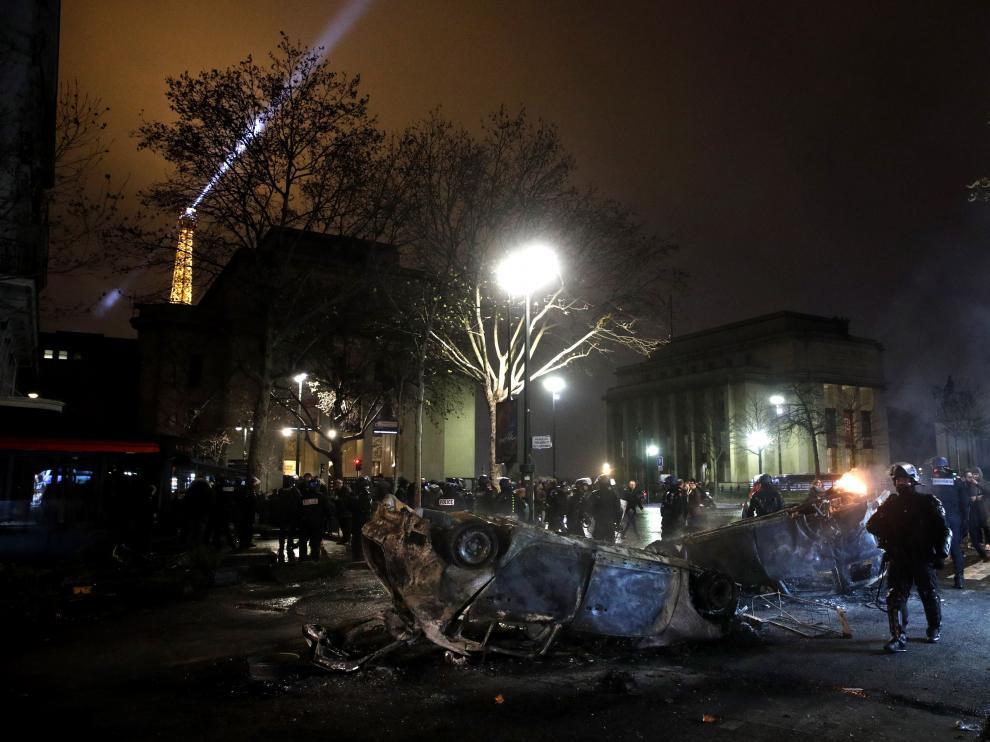 """Las últimas protestas de los """"chalecos amarillos"""" en París ocasionaron graves disturbios."""