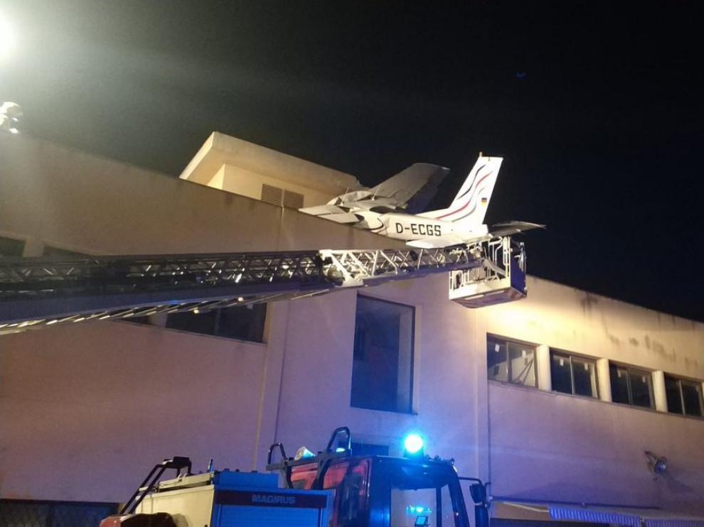 El choque del aparato no afectó a la estructura del edificio.
