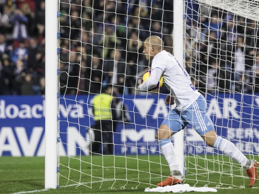 Pombo, tras anotar el 2-2 ante el Mallorca, el último gol marcado por el Real Zaragoza hasta ahora.