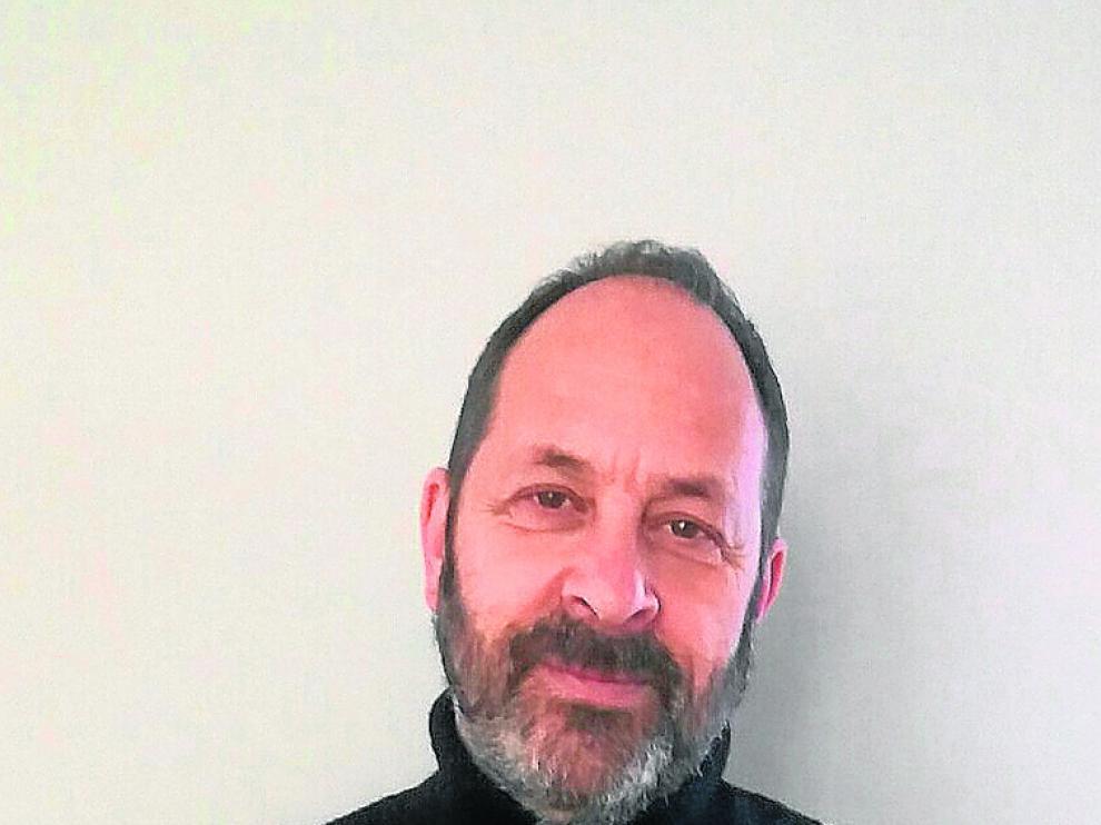 Javier Aguirre es profesor de Filosofía y coordina 'Rolde'.