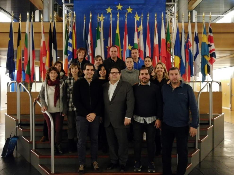 Grupo de vecinos de Salas Bajas en el parlamento europeo de Estrasburgo