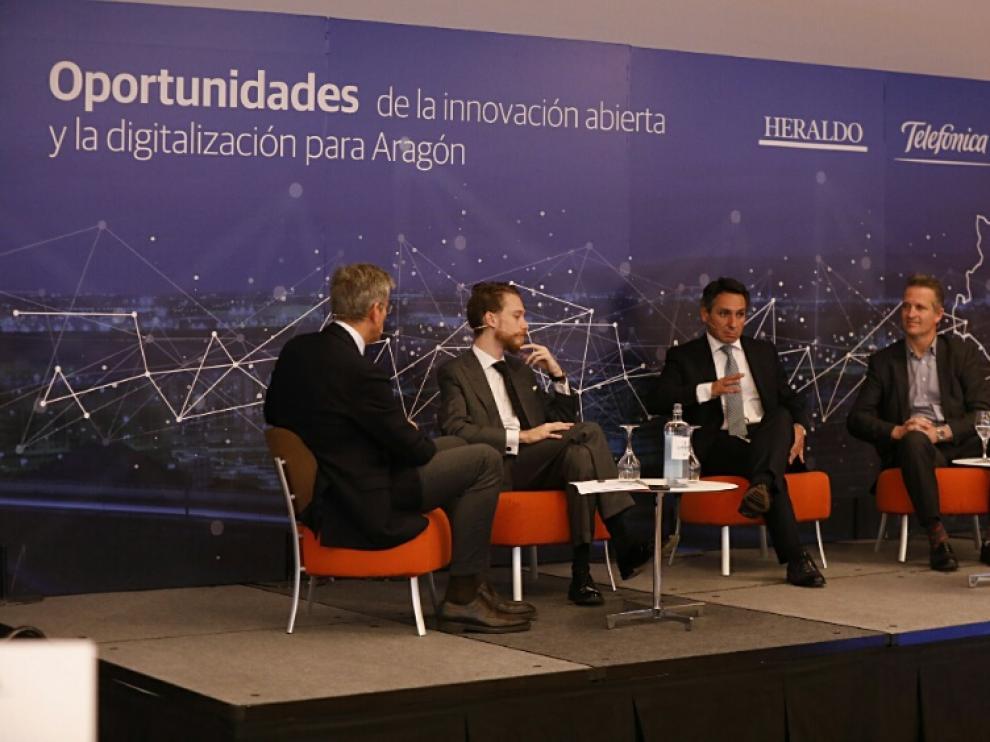 Los ponentes en el desayuno organizado por HERALDO y Telefónica