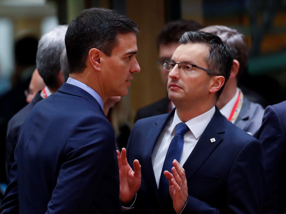 El presidente del Gobierno español, Pedro Sánchez, con el primer ministro de Eslovenia, Marjan Sarec.