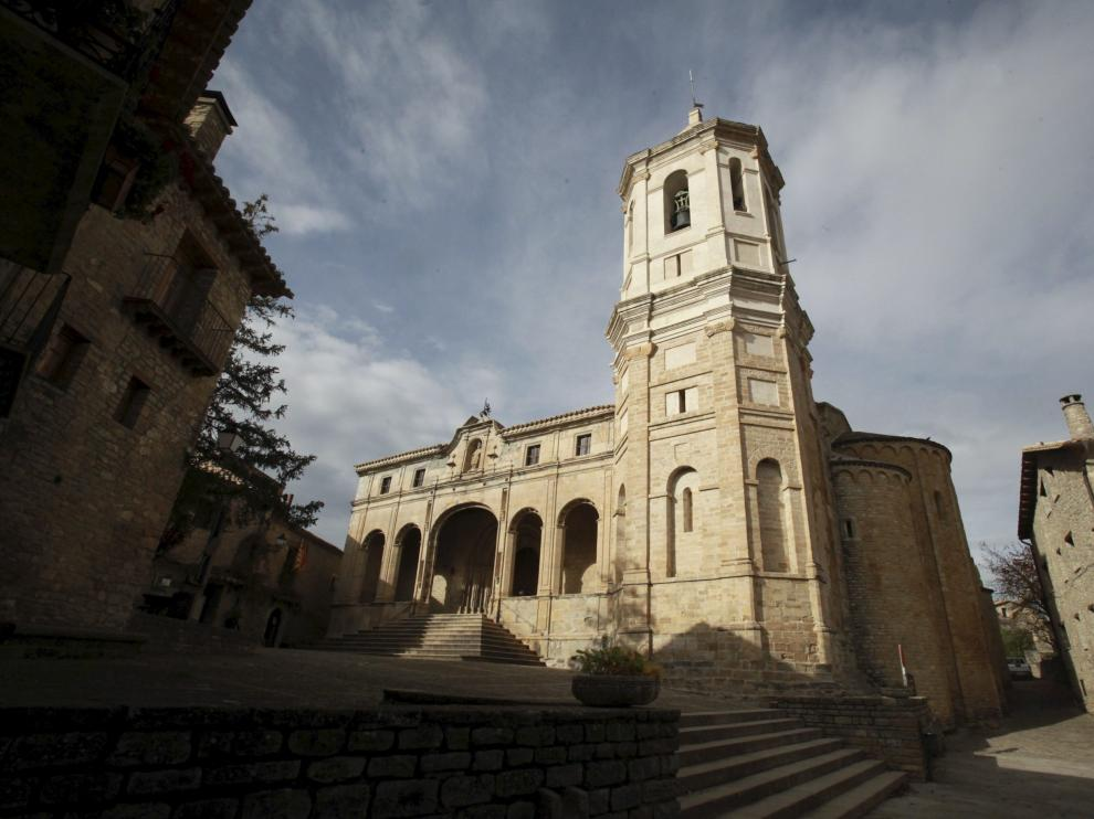 La catedral de San Vicente, de estilo románico, de Roda de Isábena.