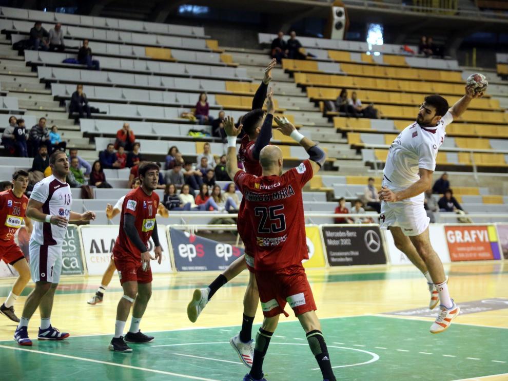 El Bada Huesca sucumbió ante Qatar.