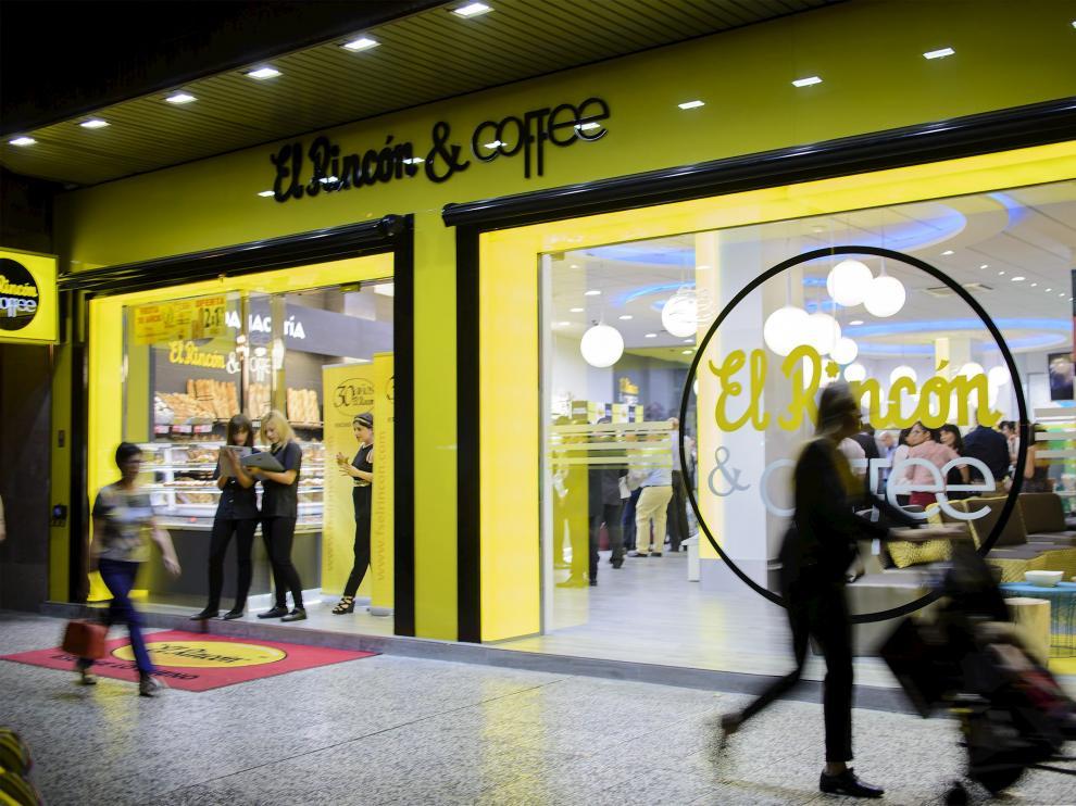 Una de las tiendas de Frutos Secos El Rincón en Zaragoza