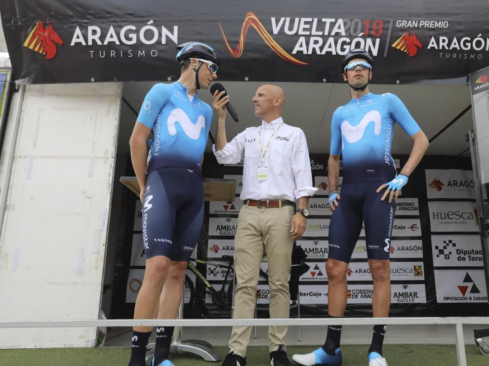 Jaime Castrillo y Jorge Arcas, en la salida de la segunda etapa de la Vuelta a Aragón.
