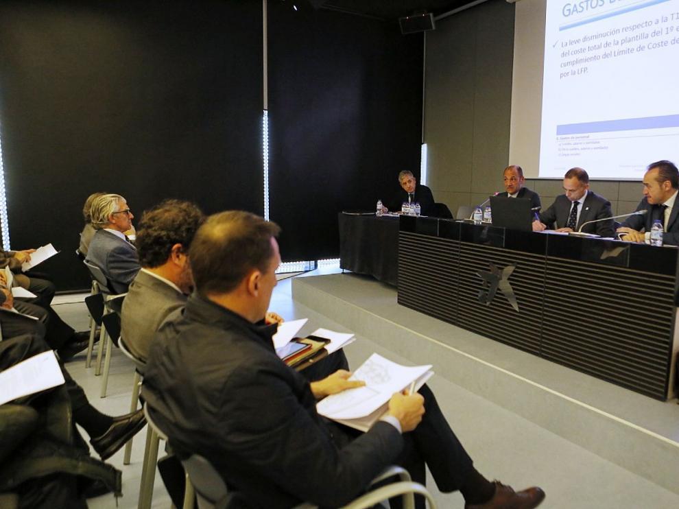 El Real Zaragoza celebró este miércoles su Junta General de Accionistas, en el edificio Caixaforum