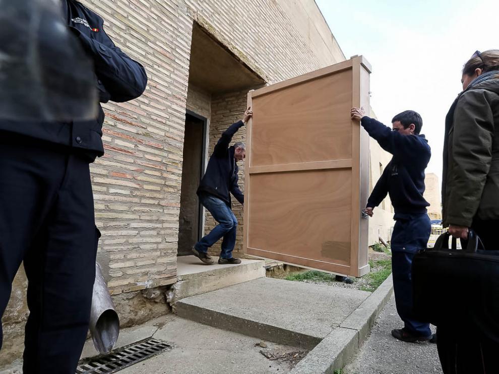 23 de enero. El cuadro de Sijena que todavía no había devuelto el Museo de Lérida regresa a casa. El dispositivo de traslado se desarrolló de forma rápida y tranquila, a diferencia de lo ocurrido el 11 de diciembre de 2017.