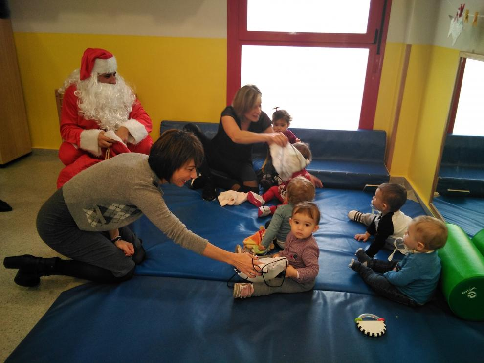 Algunos niños han llorado durante la visita de Papa Noel.