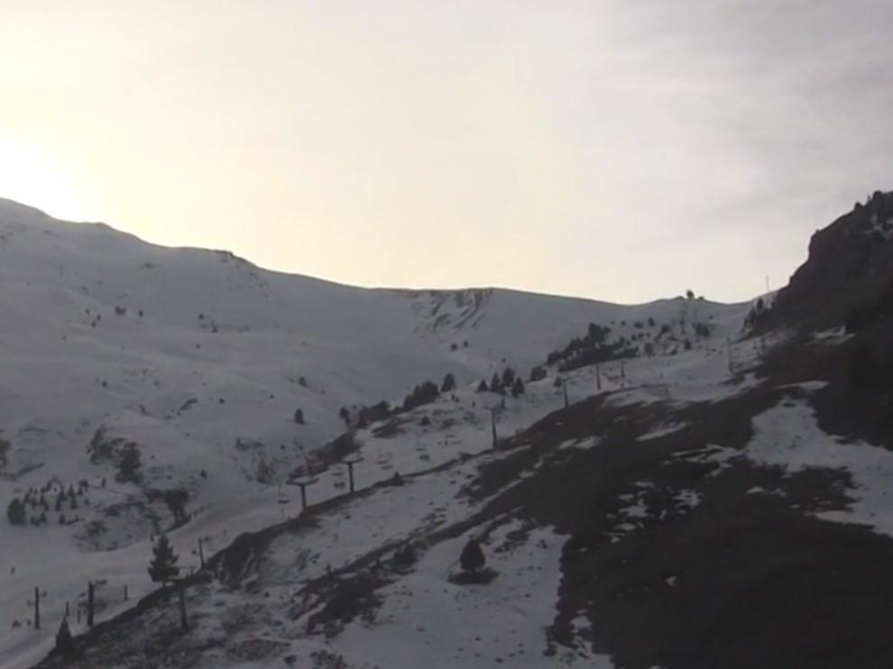 Imagen de la zona del Ampriu, en Cerler, tomada este mediodía, donde se aprecia la buena visbilidad que hay.