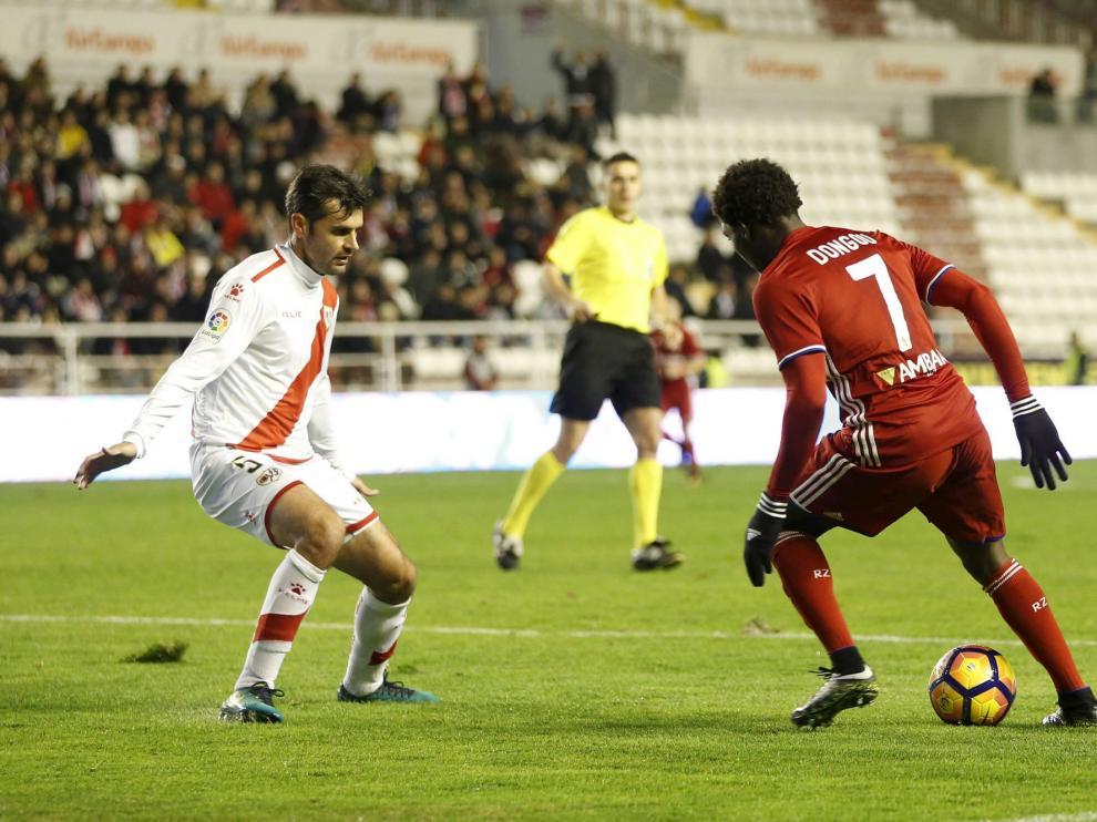 Dorado, en un partido con el Rayo contra el Zaragoza.