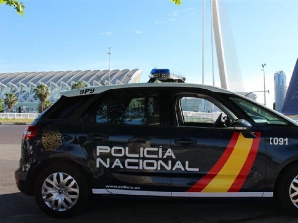 Detenido un hombre tras intentar apuñalar dos veces a una mujer tras una cita en Valencia.