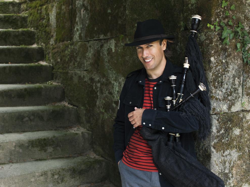 Carlos Núñez, primer miembro de Honor de la Academia de las Artes del Folclore y la Jota de Aragón