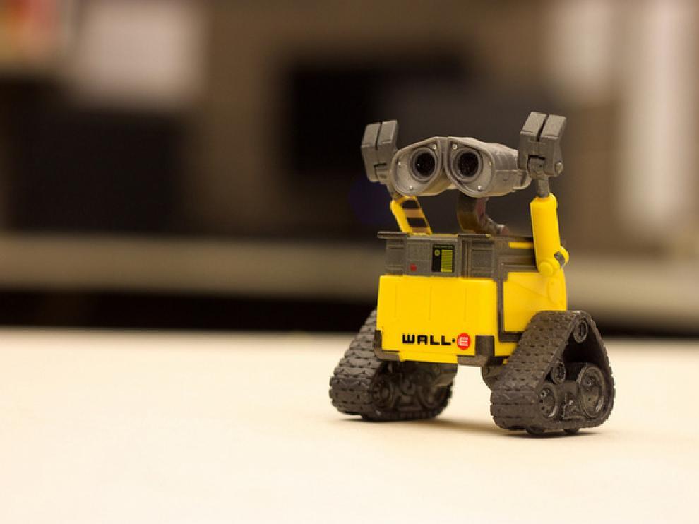 Muñecas, mascotas, drones, robots, coches y hasta puzles y bloques de construcción pueden estar conectados a internet